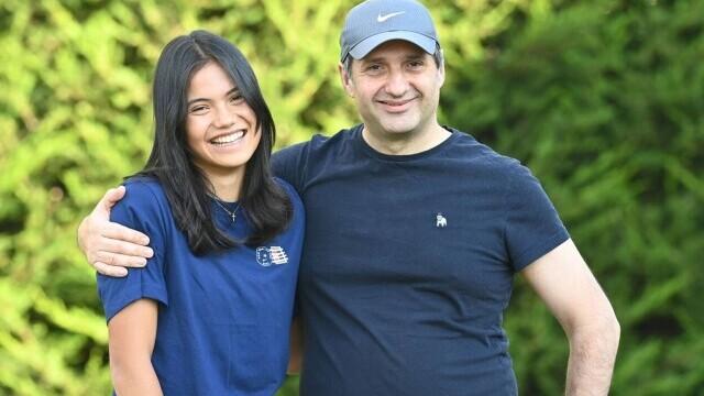 Imagini rare cu Emma Răducanu și tatăl ei român. Sportiva s-a întors acasă după victoria de la US Open. GALERIE FOTO - Imaginea 6
