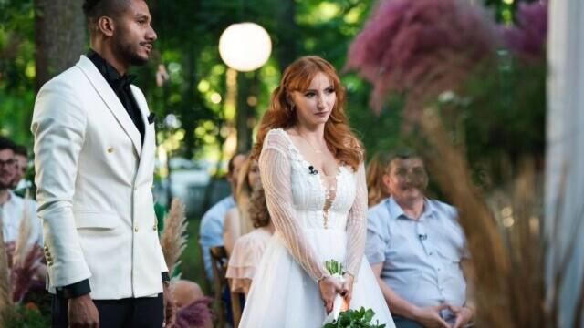 """""""Căsătoriți pe nevăzute"""". Georges și Cristina s-au căsătorit, în ciuda criticilor părinților ei - Imaginea 1"""