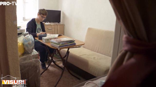"""""""Visuri la Cheie"""". Cosmin și mama lui au trăit într-o garsonieră de 12 mp, în Ferentari. Cum arată noul lor apartament - Imaginea 9"""