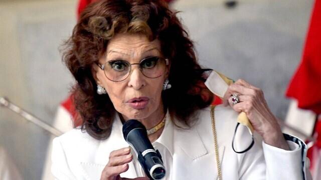 Sophia Loren a împlinit 87 de ani. Cum arată cunoscuta actriță acum. GALERIE FOTO - Imaginea 4