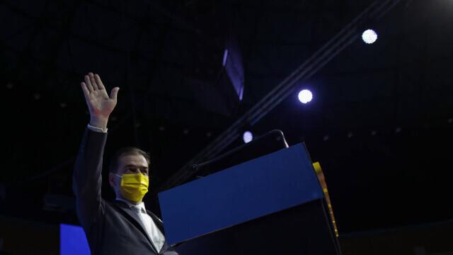 Congresul PNL, filmul evenimentelor: scandal și huiduieli. Cîțu și Orban s-au acuzat de fraudă - Imaginea 14