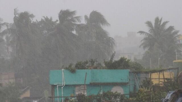 India: Ciclonul Gulab a făcut cel puțin două victime