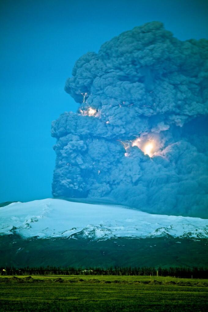 Cele Mai Spectaculoase Imagini Cu Vulcanul Din Islanda