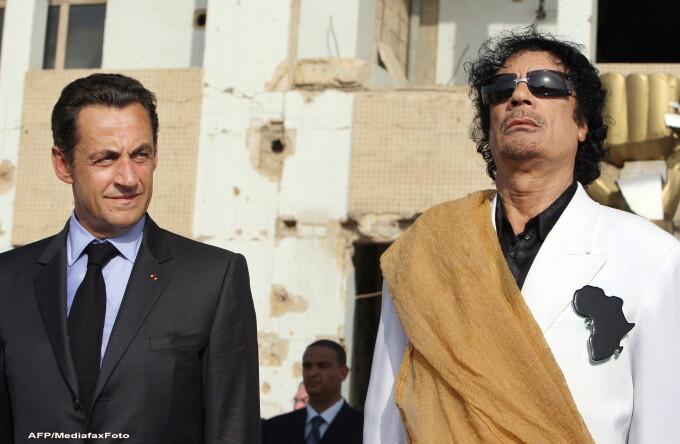 Nicolas Sarkozy si Muammar Ghaddafi