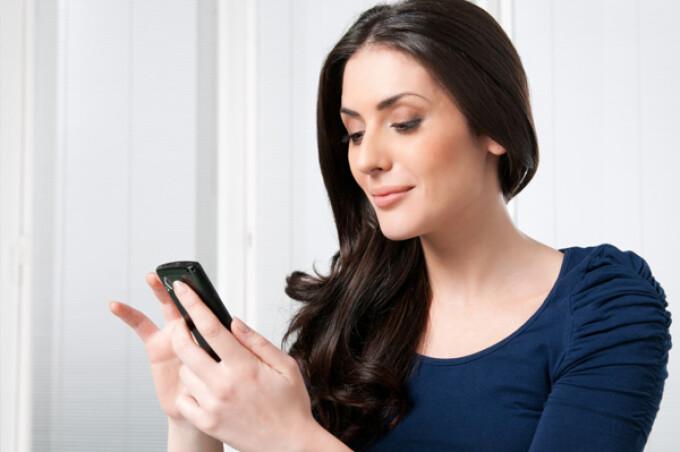 Fetelor – Faceți bani vorbind la telefon
