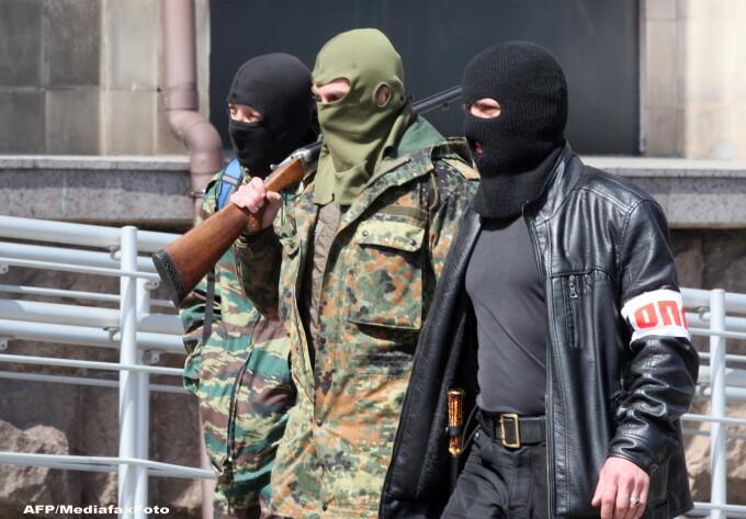 Militanti pro-rusi din Donetk