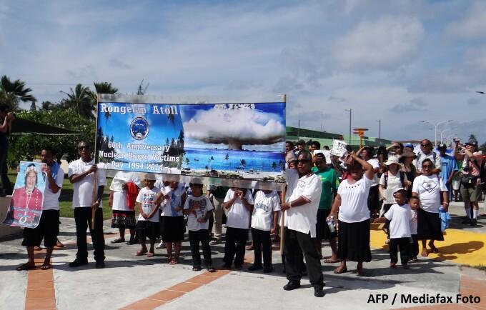 Protest al locuitorilor din Insulele Marshall impotriva armelor nucleare
