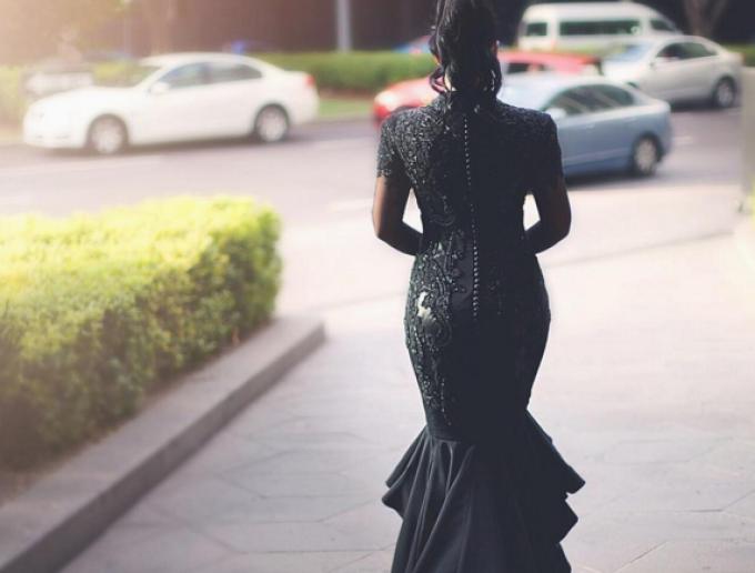 mireasa rochie neagra