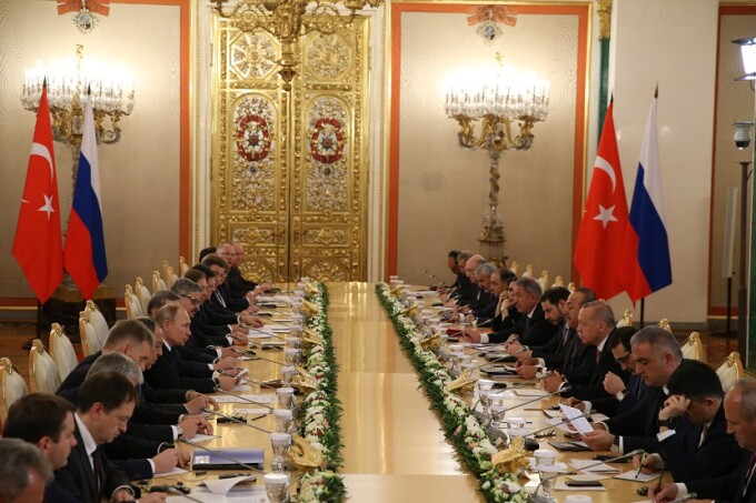 Vladimir Putin se intalneste cu Erdogan la Kremlin