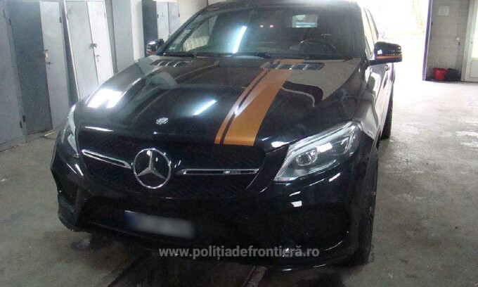 Un șofer a rămas fără Mercedesul de 74000 euro, la graniță