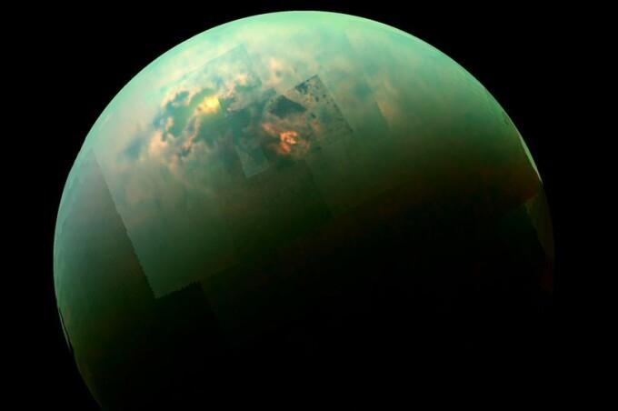 Titan, luna Saturn