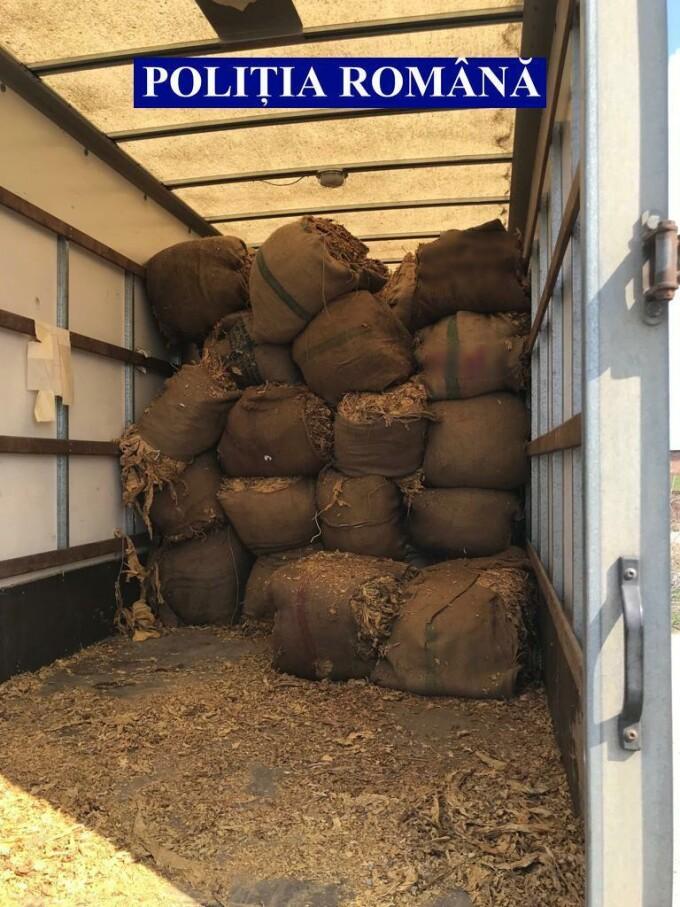 Zeci de tone de tutun, confiscare de polițiști - 2
