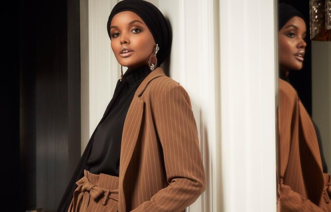 """Apariție inedită a unui model musulman. """"Este mesajul pe care vrem să îl transmitem"""""""