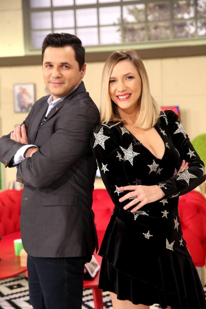 """""""Vorbește Lumea"""" că Adela Popescu și Cove respectă distanța socială!"""