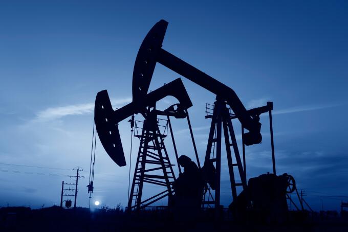 Prețul petrolului, la cel mai mic nivel din ultimii 20 de ani. Un litru, 40 de bani