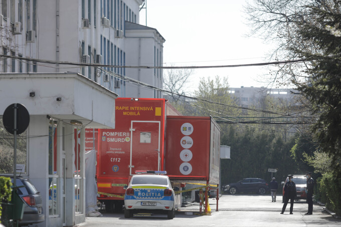Cadrele medicale de la Spitalul Victor Babeș au sunat la 112 pentru a cere ajutor de la alte cadre medicale