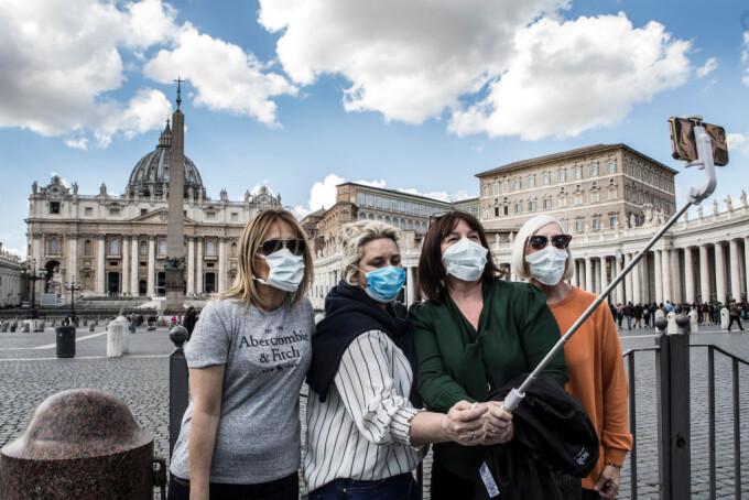 """Turismul din Italia se redeschide pe 15 mai. Guvernul va introduce """"pașapoarte de vaccinare"""""""