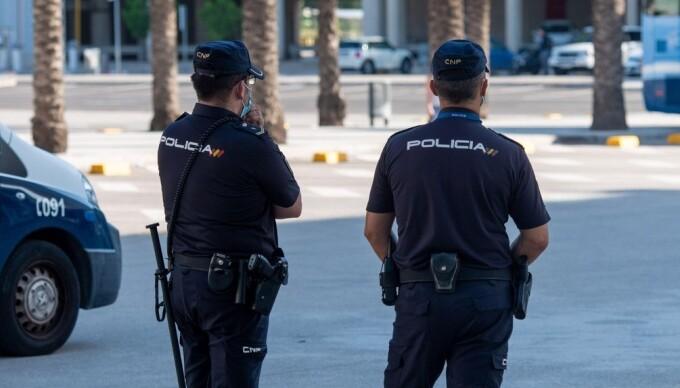 Un bărbat din Spania a fost arestat după ce a infectat 22 de persoane cu Covid-19