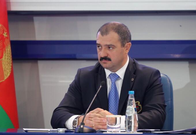 Aleksandr Lukaşenko vrea să-i transfere puterea fiului său Viktor Lukaşenko, după moartea sa