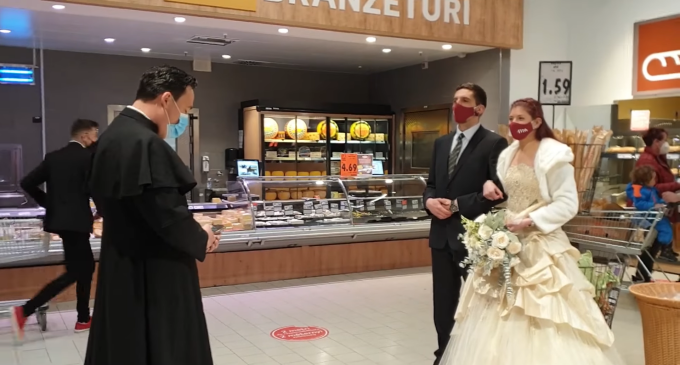 Nunta la supermarket