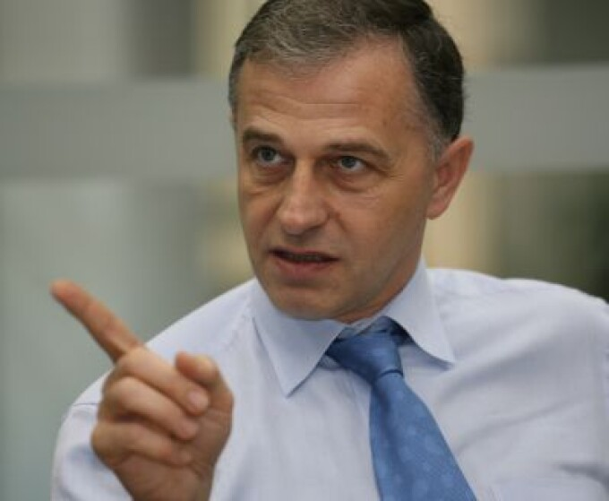 Mircea Geoana isi ataca dur adversarii politici
