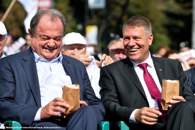 Klaus Iohannis, Vasile Blaga