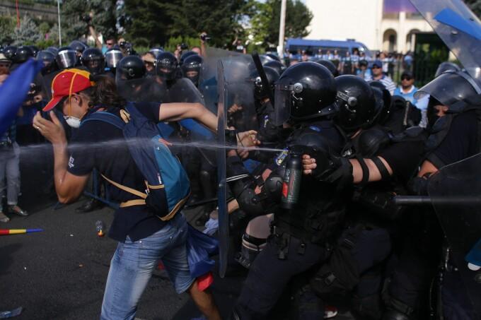 Proteste Piata Victoriei 10 august