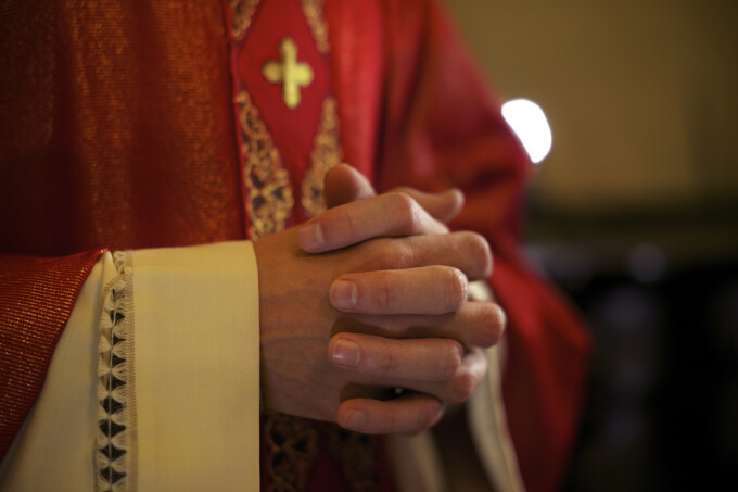 preot catolic