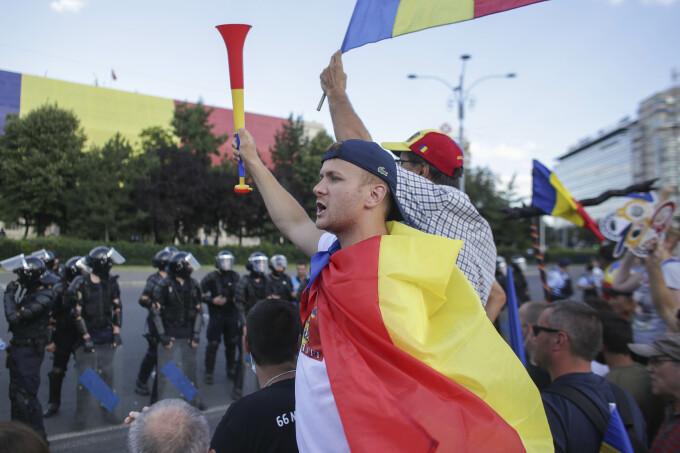 Protest 10 august, Piata Victoriei