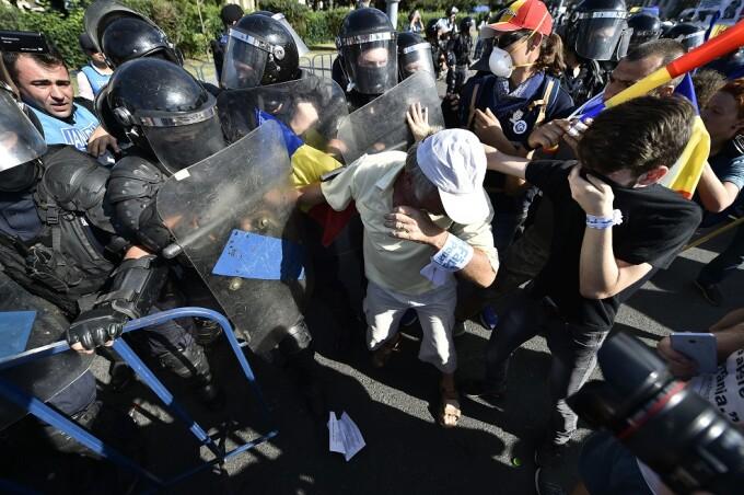 jandarmi, gaze lacrimogene