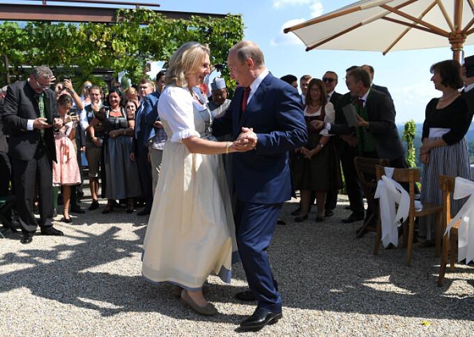 Putin a dansat la nunta ministrului de Externe al Austriei