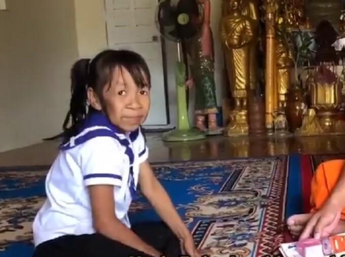 Drama unei fetițe de 10 ani care arată ca o