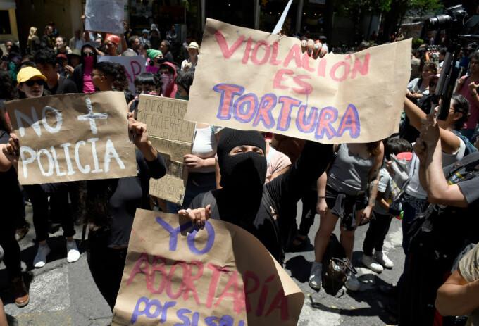 Protest în Mexic, după ce două minore ar fi fost violate de polițiști