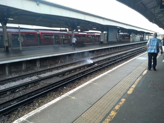 Moarte cumplită pentru un tânăr, într-o gară din Anglia