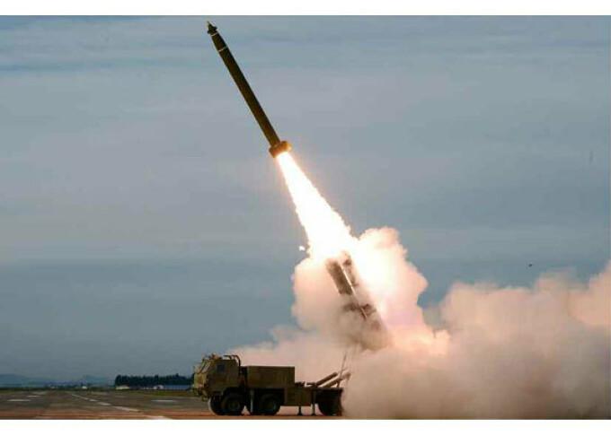 Test al unui lansator multiplu de rachete, in Coreea de Nord - 9