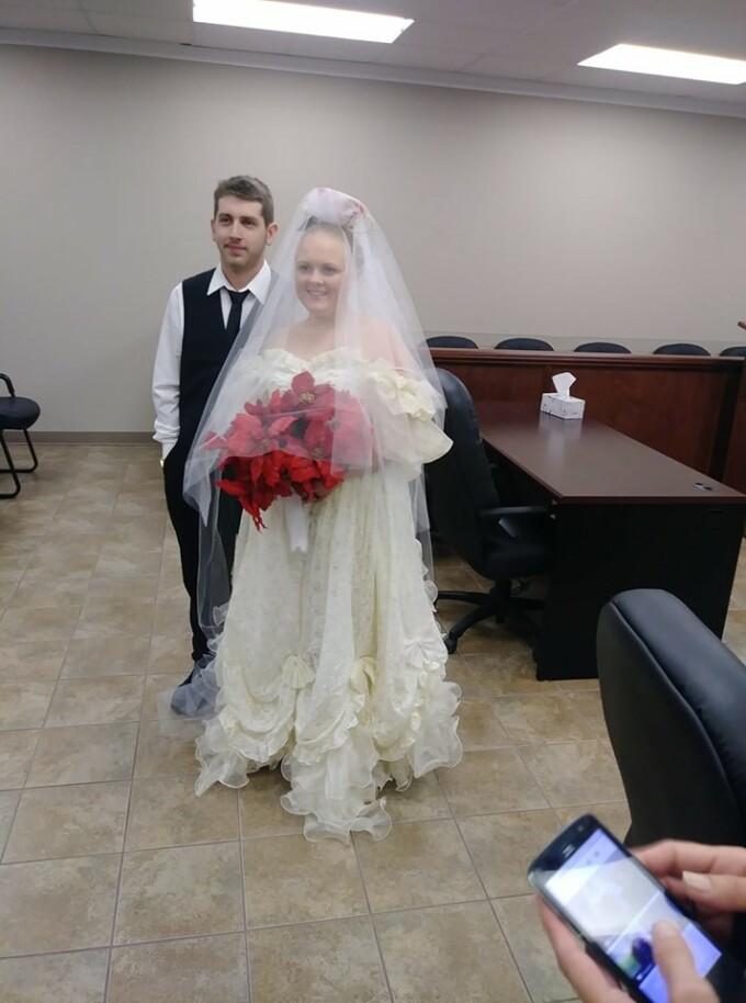 Doi tineri au murit într-un accident la câteva minute după ce s-au căsătorit