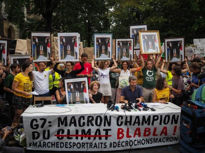 Emmanuel Macron, criticat de protestatarii francezi, cu prilejul Summitului G7