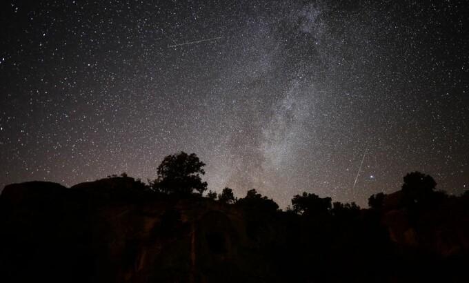 Spectacol cu Perseide pe cer. Unde si cand putem urmari stelele cazatoare