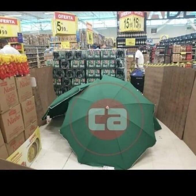 mort in supermarket