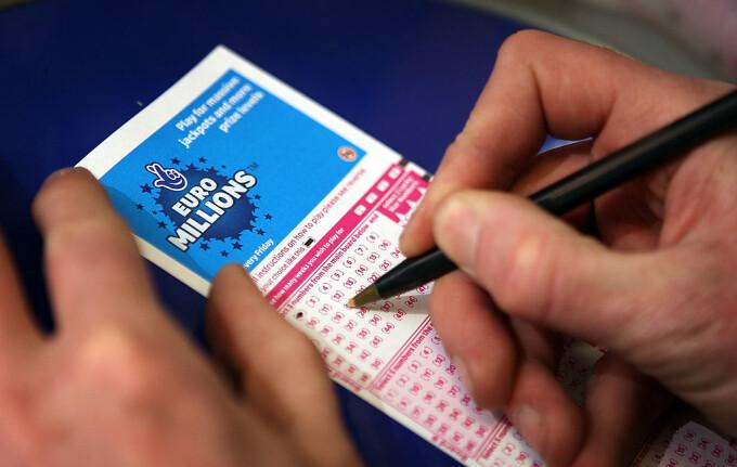 Cum a scăpat un milionar câștigător la loto de acuzația că ar fi violat două copile