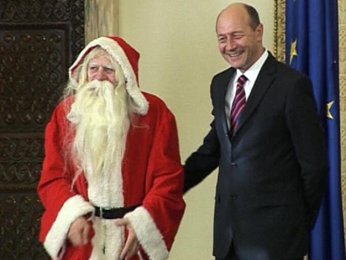 Mos Craciun si Traian Basescu