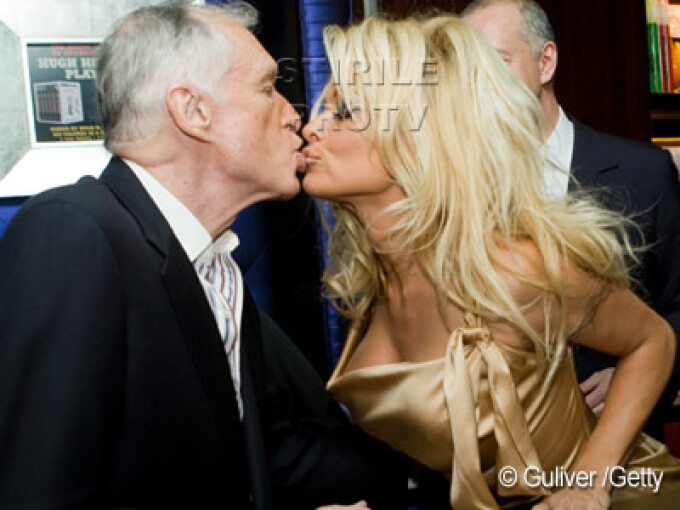 Pamela Anderson si Hugh Hefner