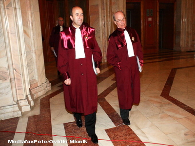 Membrii ai Curtii Constitutionale