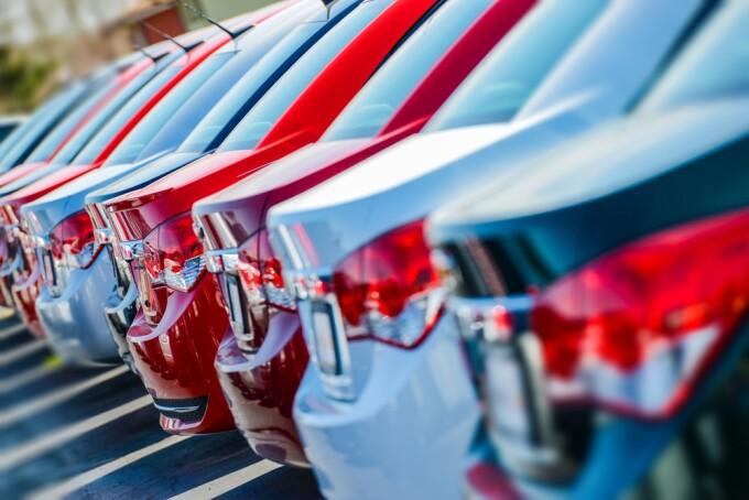 piata auto, masini, shutterstock