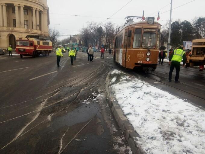 Tramvai deraiat, Iași