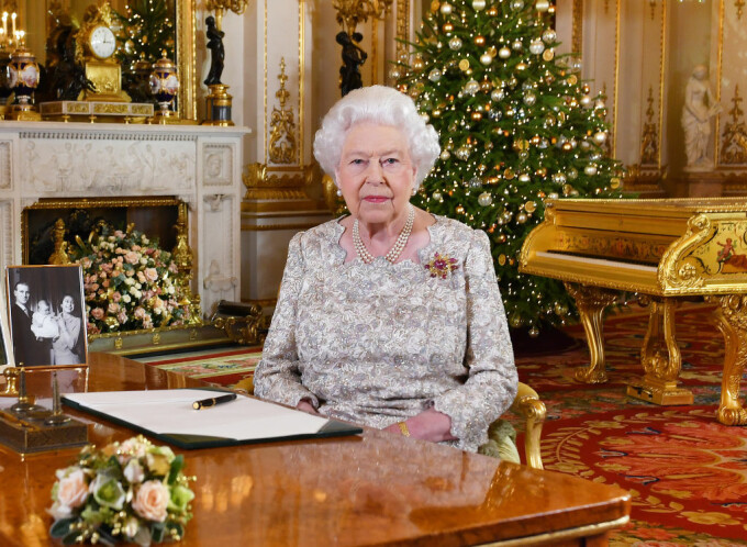 Regina Elisabeta face apel la armonie, în mesajul de Crăciun