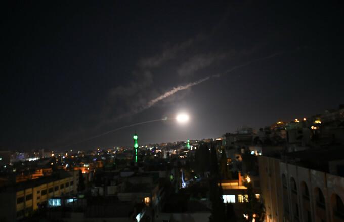 Israelul ar fi lansat rachete împotriva unei baze a regimului al-Assad din Siria