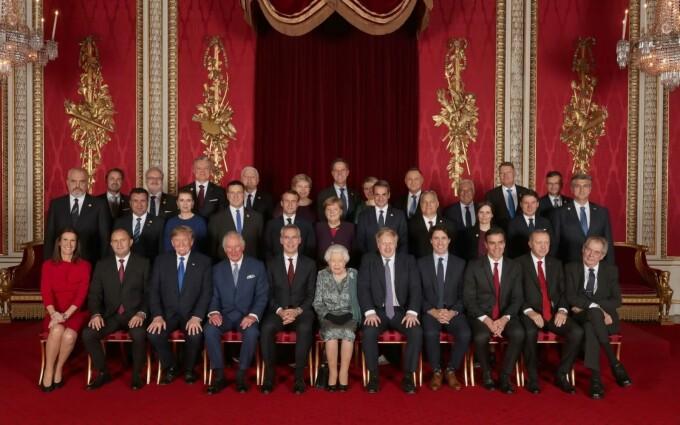 receptie palatul buckingham, summit nato