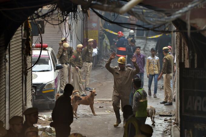 43 de persoane au murit din cauza unui incendiu la o fabrică din New Delhi, India