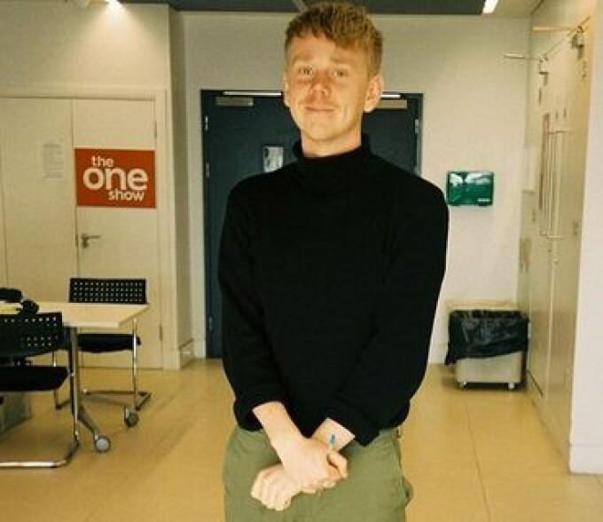 Directorul unui show BBC a murit într-un accident stupid. Charlie Mott, decedat în baie ștrangulat cu furtunul de la duș